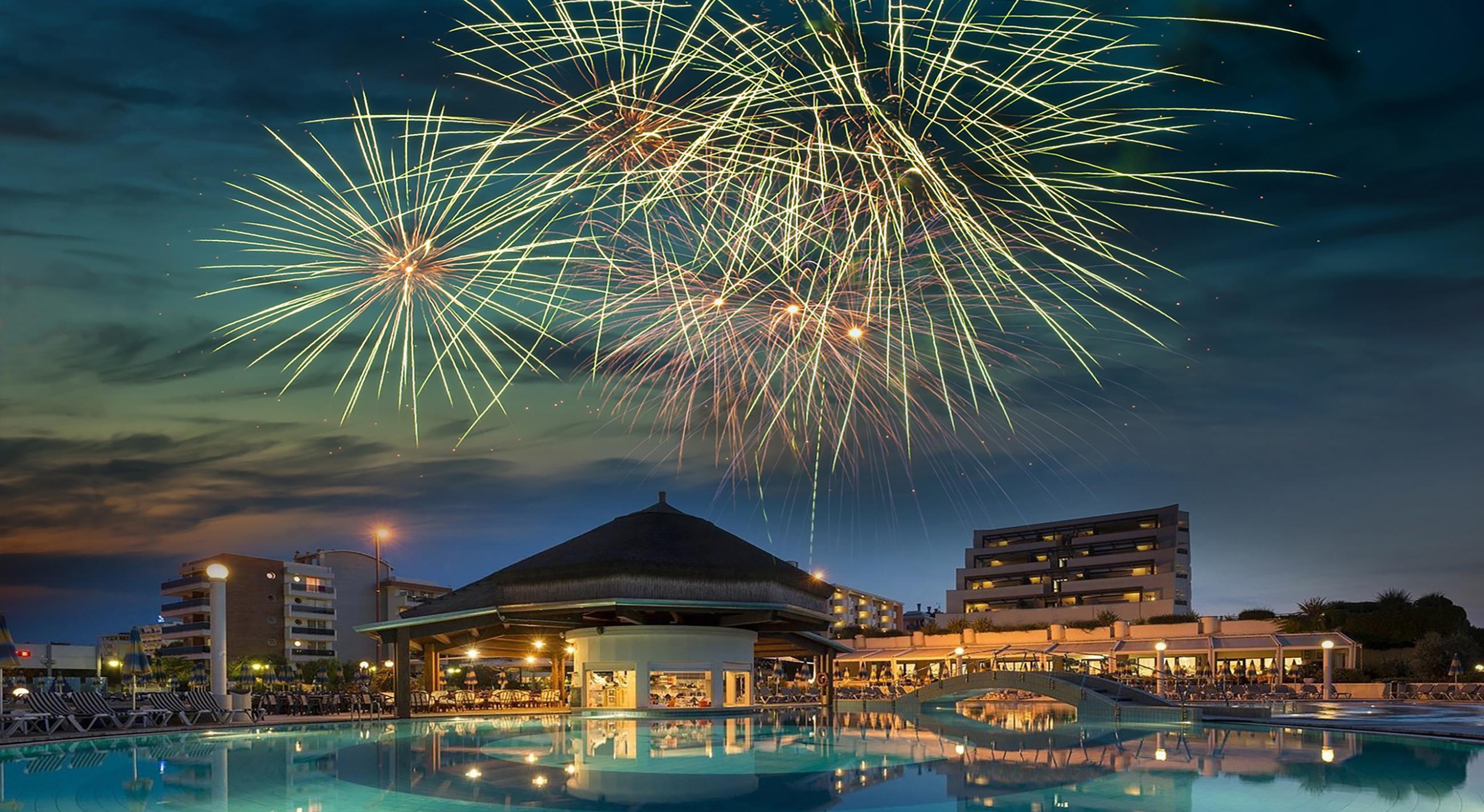 vajenti hotel con fuochi artificio 2