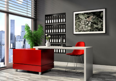 ambiente parete grigia scrivania 1800x1200